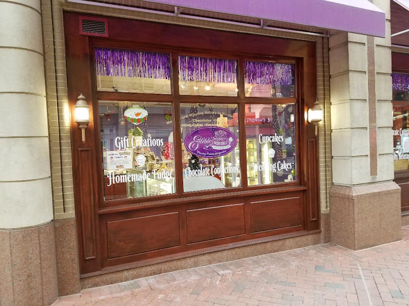 Photo of front door to Reston Town Center's Ultimate Dessert destination Edible Incredible Desserts.